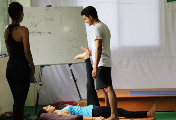 300 hour yoga teacher training india