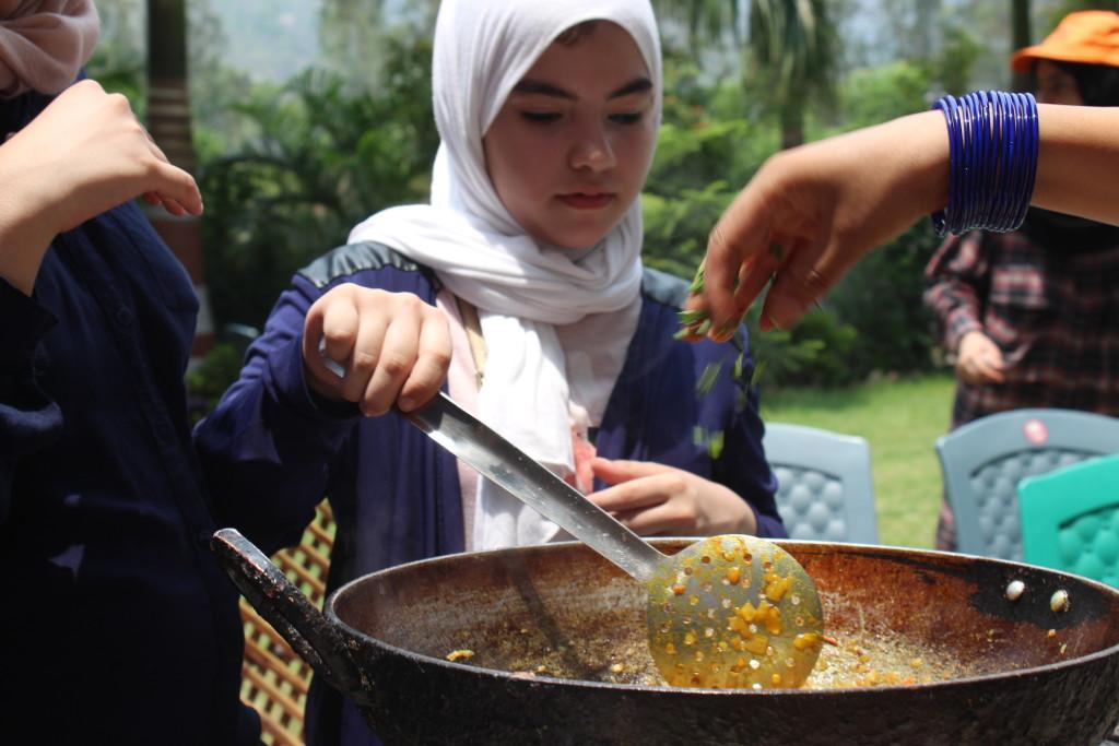 Rishikul Yogshala cooking classes