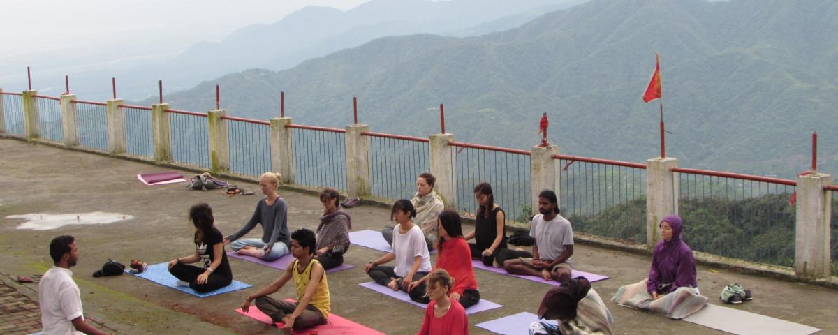 friendship day yoga teacher training offer