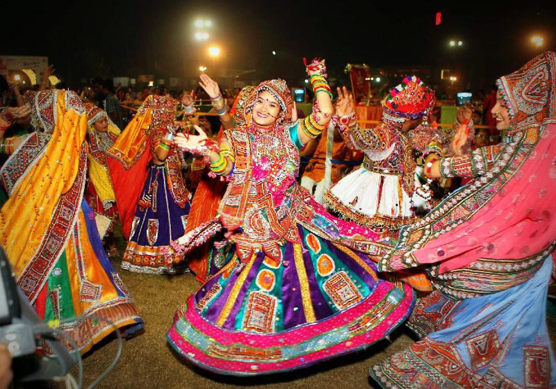 garba dance in india on durga puja