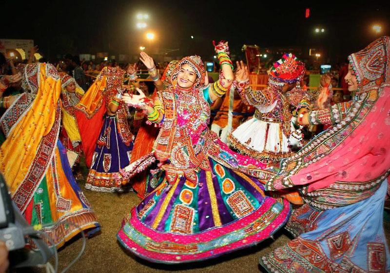garba dance in india on durga puja