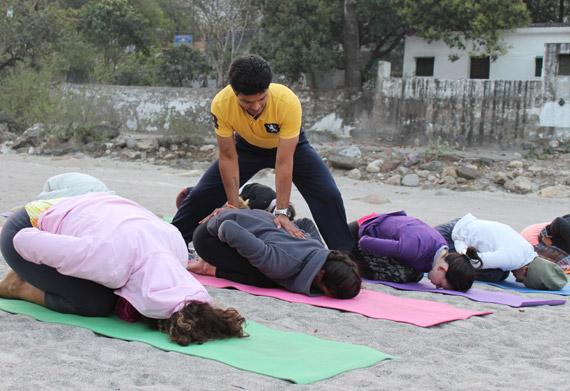 beginners-level-yoga-adjust