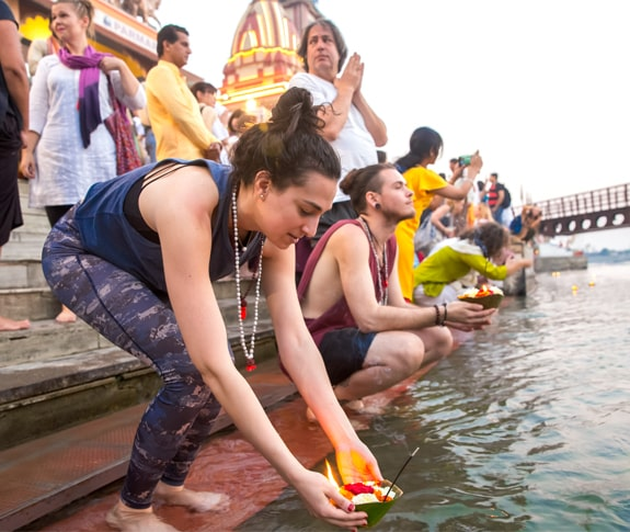 EXPERIENCE 'GANGA AARTI' IN ITS ENTIRE SPLENDOR 1