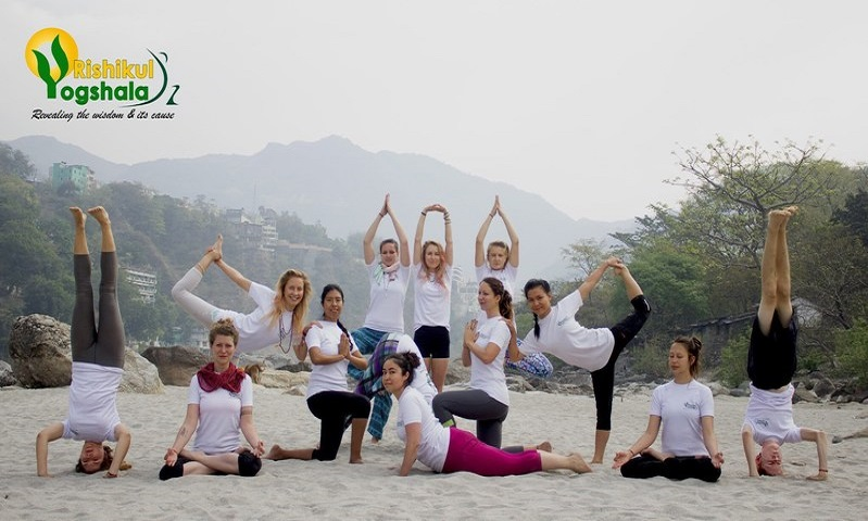 How to Choose The Best Yoga Alliance School in Rishikesh