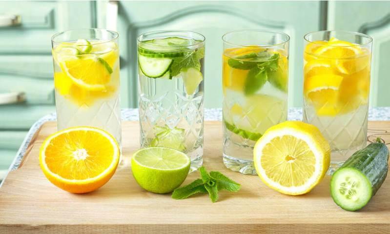 Simple lemon and water